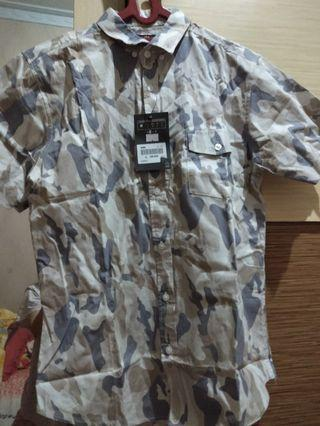 Baju kemeja army pria