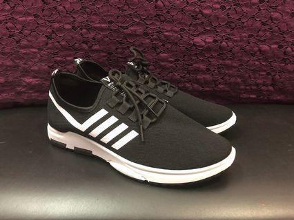 運動鞋(全新)