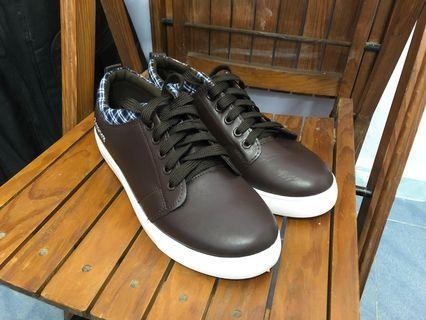 休閒皮鞋(全新)