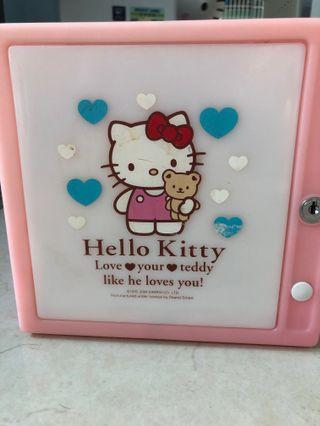 hello kitty cd 💿 and dvd📀 儲存箱