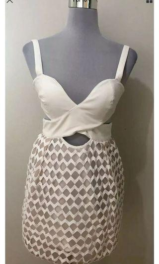 Ladies ALICE MCCALL Ivory Cut Out Cocktail Dress.  Fits Size 6