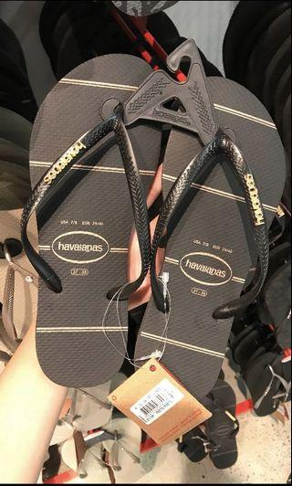 [INSTOCK] Havaianas women's back and gold logo slippers