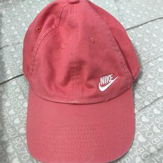 🚚 NIKE 粉色老帽 (正版)