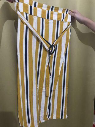 Bawahan / rok stripe kuning