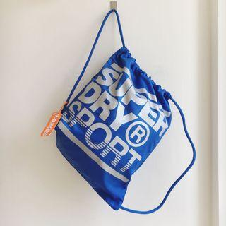 全新Superdry極度乾燥束口袋背包 藍色