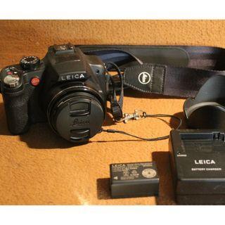 Leica V-Lux 2 Bridge Camera