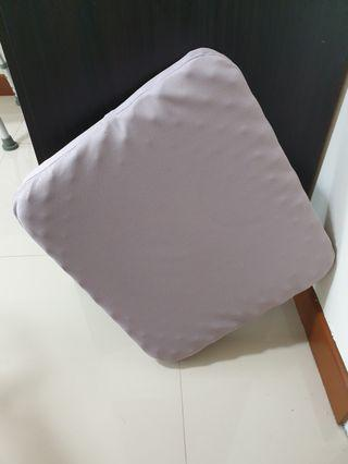 Cushion seat support