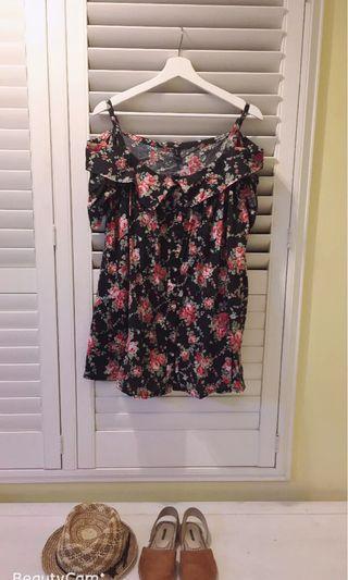🚚 我的法式優雅 玫瑰印花露肩襯衫 浪漫玫瑰花 顯瘦 波西米亞風 可搭配流蘇系列配件 為造型加分