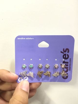 c5b3bbf6804f5 claires earrings   Jewelry   Carousell Philippines