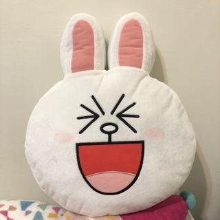 🚚 LINE FRIENDS 兔兔抱枕