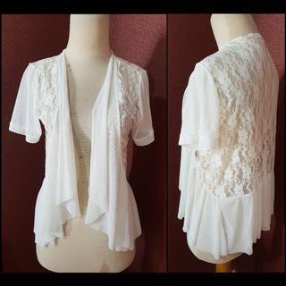 White lace chiffon ruffle outerwear.