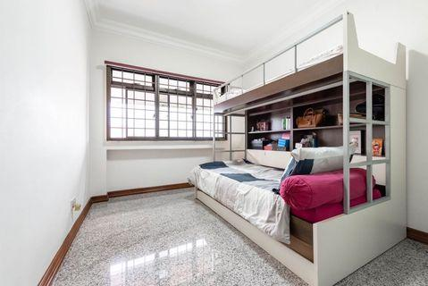 🚚 Double Decker Bed Frame