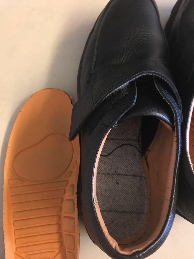 近新 男生鞋子27cm左右