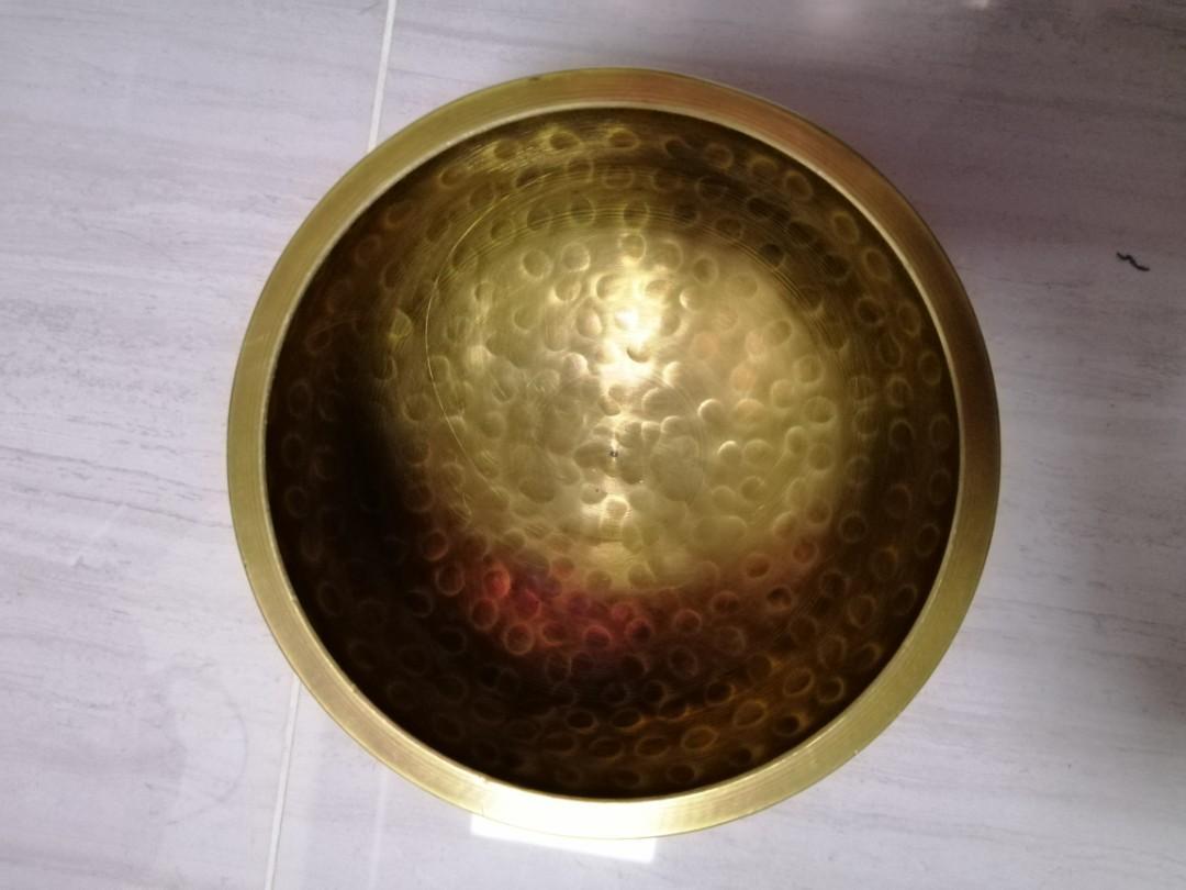 Last one. 西藏 磬 禪修 頌缽 Singing Bowl Tibetan Bowl 11cm 直徑