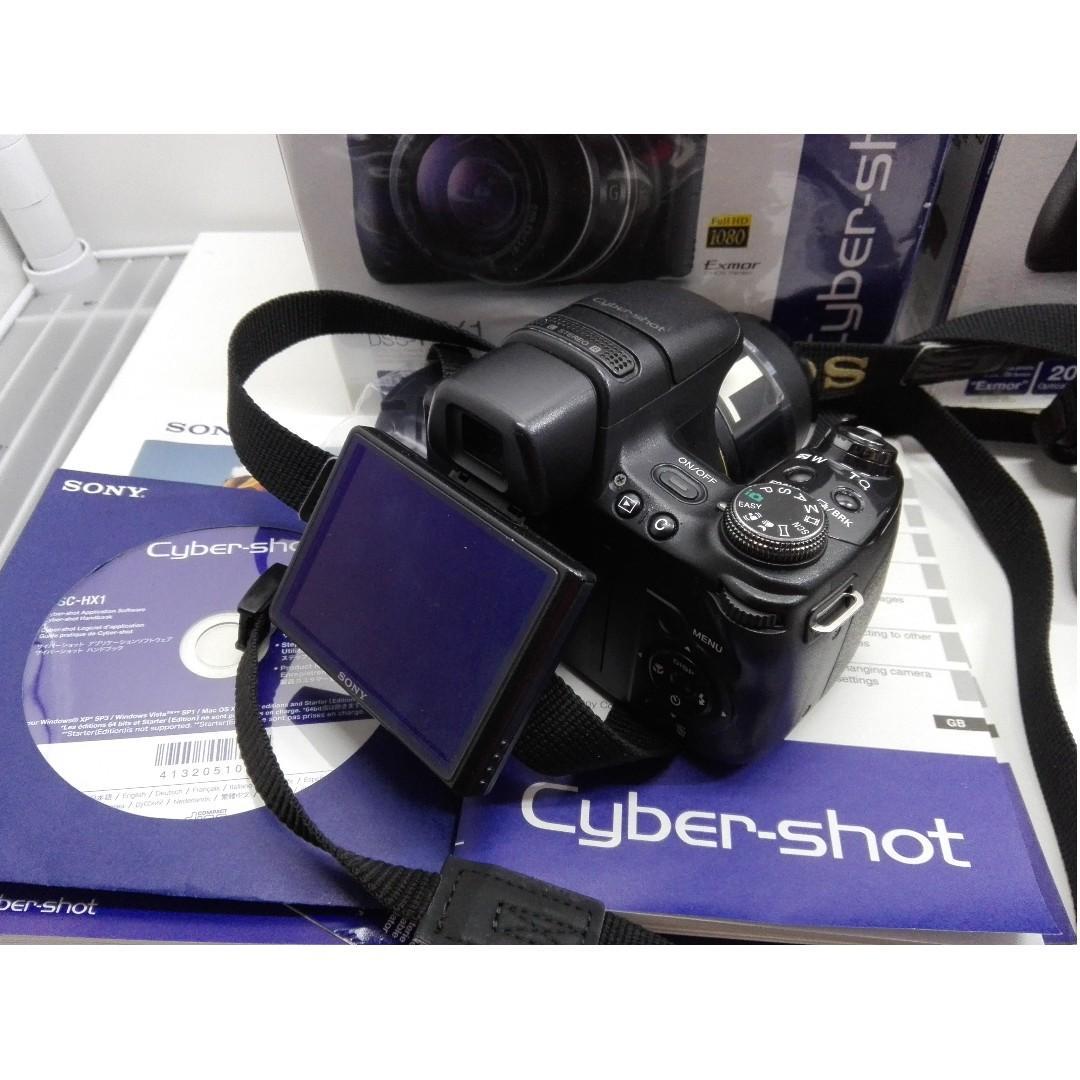 買一台送一台 共兩台 SONY Cyber-shot DSC-HX1 數位相機 當初買一台15000 一台正常無損能用 另外一台能開機 可是沒辦法用 要自己拿去修 兩台都沒記憶卡
