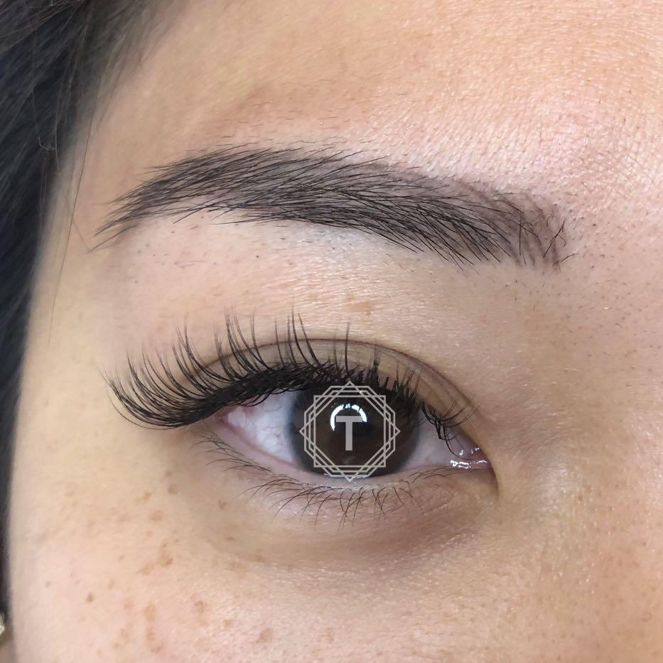 CERTIFIED Eyelash Extension Professional (Recently worked with MISS ASIA CANADA 2018)