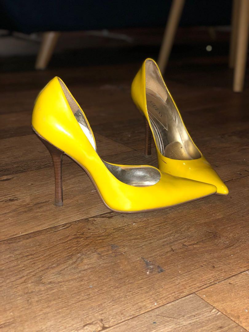 Guess yellow patent leather look stilettos size US9M