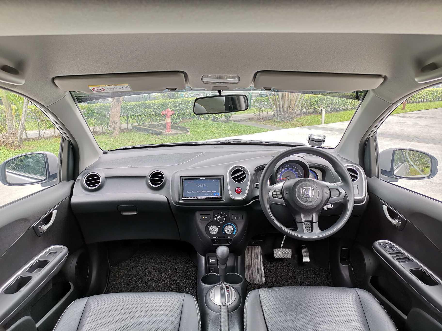 Honda Mobilio 1.5 RS Basic MPV i-VTEC Auto