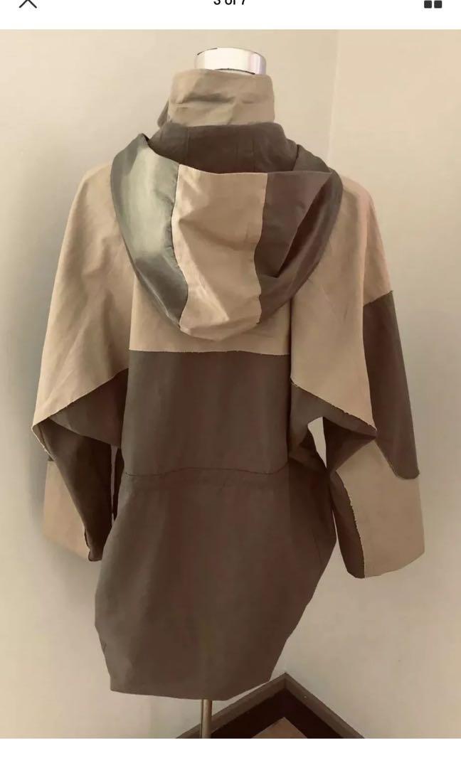 Ladies SHAKUHACHI Khaki Two Tone Hooded Zip Jacket.  Size 12