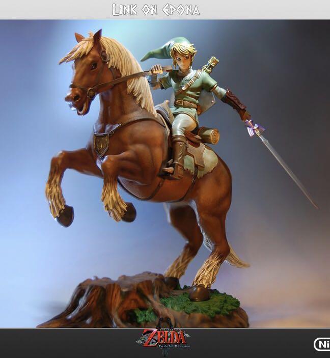 Legend of Zelda Link on Epona First4Figures F4F statue