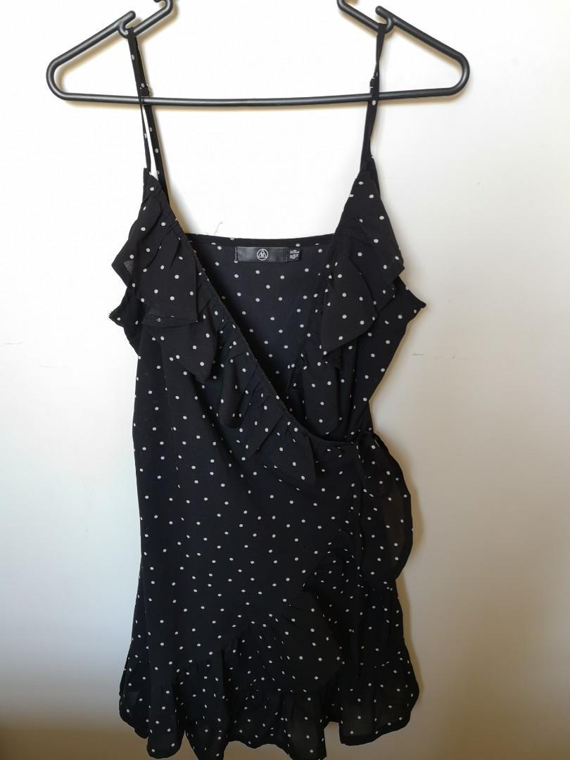 Misguided Black poka dot wrap dress #SwapNZ
