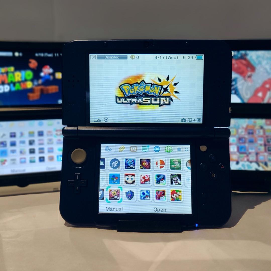 Nintendo 3ds ( Modded ) + Pokemon Ultra Sun / Moon + 800 Games + Charger + Case