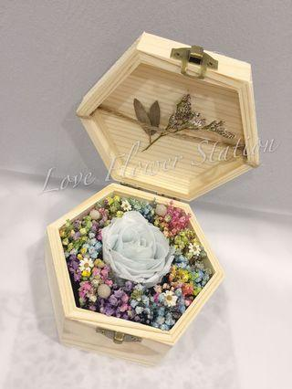 Small Wooden Box With Preserved Rose & Dried Baby Breath/ Graduation Flower/ birthday Idea/ Preserved Rose/ Dried Baby Breath