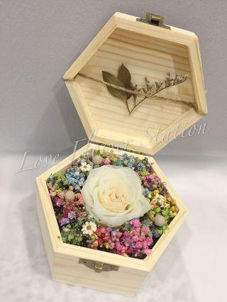 Small Wooden Box With Preserved Rose & Dried Baby Breath/ Graduation Flower/Birthday Gift Idea / Preserved Rose/ Dried Baby Breath