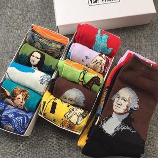 🚚 box of 5 vintage oil painting socks