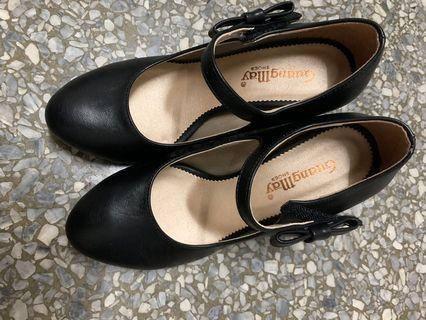 🚚 黑高跟鞋