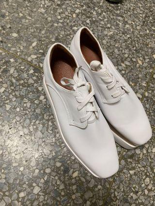 🚚 白色增高鞋