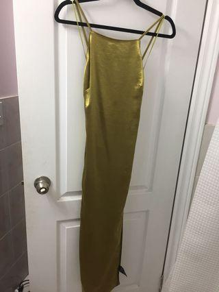 Satin dress with leg slit