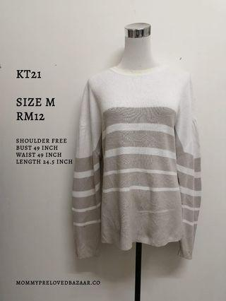 Knitted top sweater