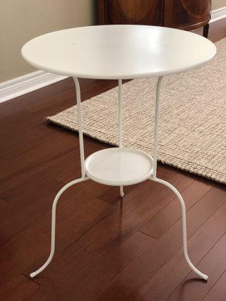 2 Ikea Side Tables (Damaged)