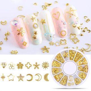 2019新款美甲飾品指甲飾品金屬框鏤空美甲裝飾品流行星月混裝鉚釘6盤1組隨機