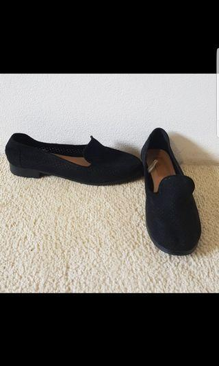 Loafers worn once size 37