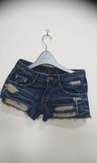 時尚牛仔褲(腰寬37 長29cm)