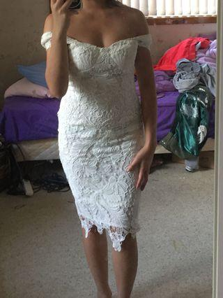 NEW White lace midi off bustier padded shoulder sleeve dress