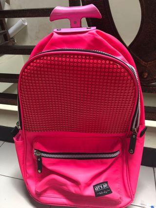trolly bag pink