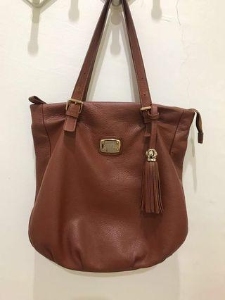 Leather Handbag #Carouselland
