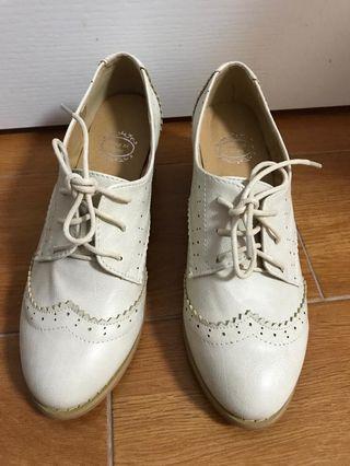 白色牛津鞋