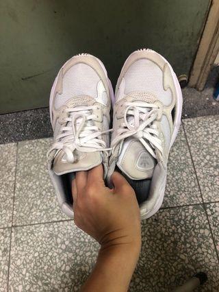🚚 Adidas Originals Falcon 米白色 增高 老爹鞋 8成新