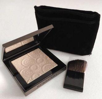 Brand new Burberry Fresh Glow Highlighter in nude gold