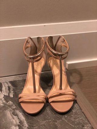 vince camuto sandal/heels