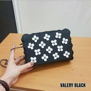 VALERY SLING BAG