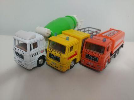 [無盒減價優惠]全新1:72 三架猛獅貨車套裝 three man trucks sets