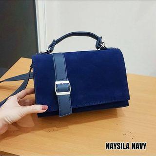 NAYSILA SLING BAG