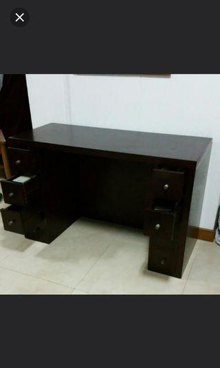 Table with 8 drawers