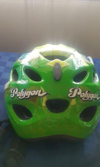 Helm sepeda anak
