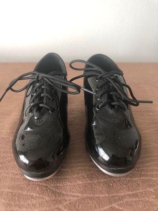 Girls tap shoe